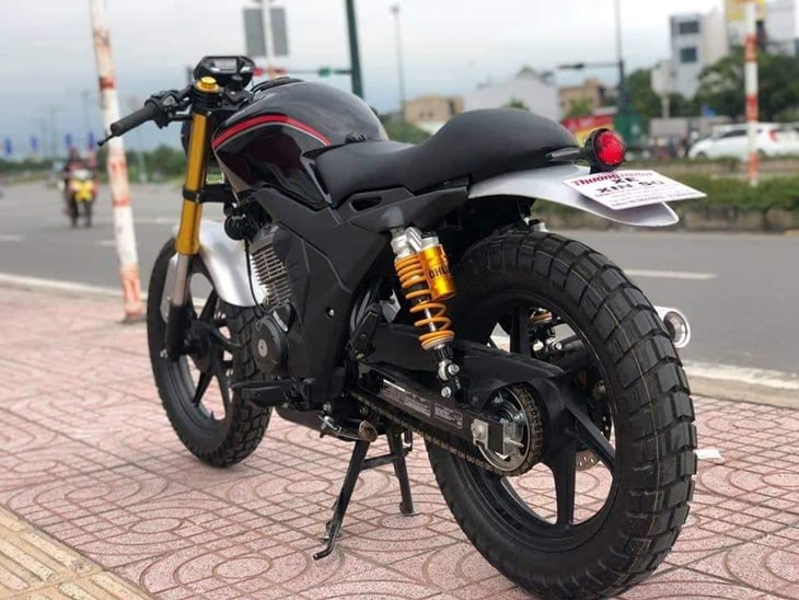 Honda CB150 Verza phong cach Cafe Racer