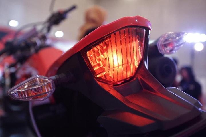 Honda CRF150L2019 đèn hậu