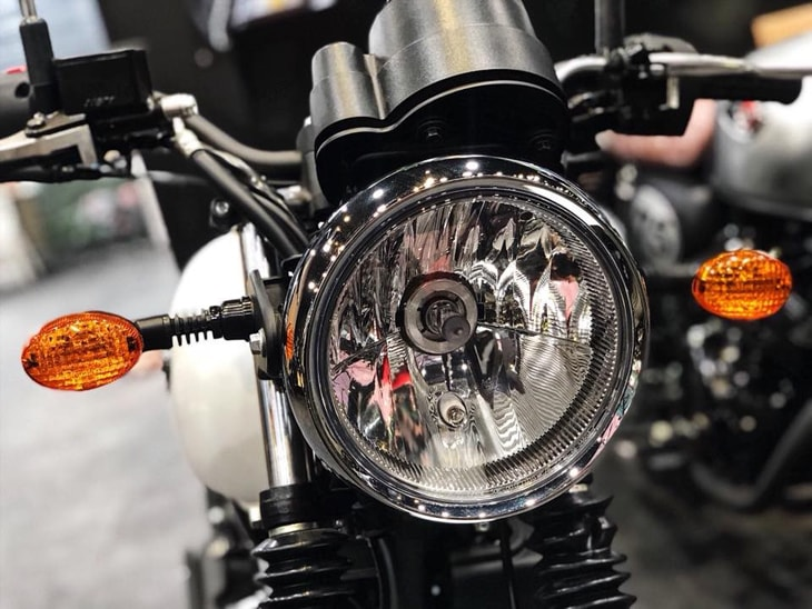 Den pha Kawasaki W175 2019